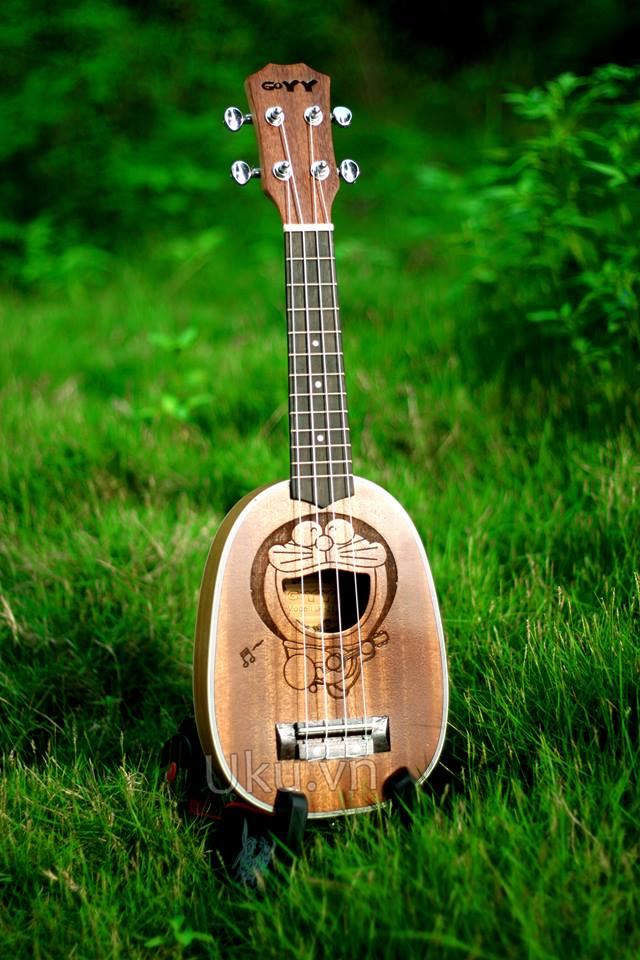 doremon pineapple ukulele