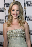Julie Benz dress photography
