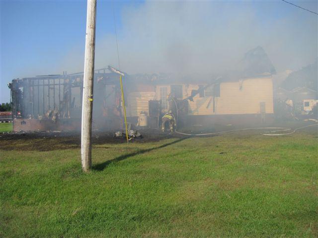 House fire Lynchburg Rd Mutual Aid to Williamsburg Co. Fire 002.jpg