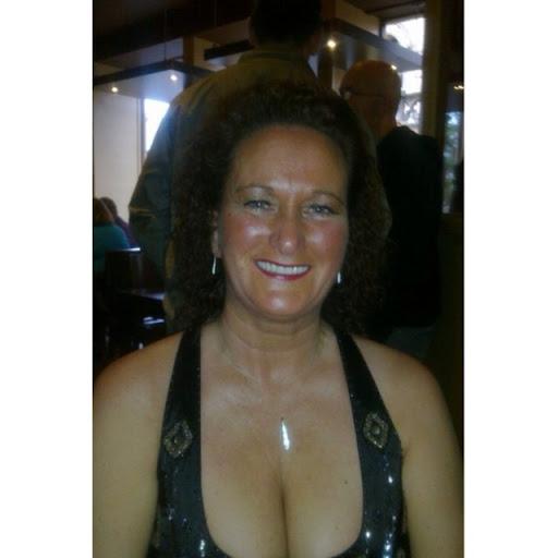 Lorraine Melville Photo 6