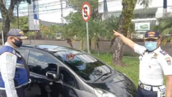 Parkir Sembarangan, Ban Dikempeskan, Kata Kadishub Padang Lebih Efektif Ketimbang Penderekan