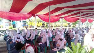 Kapolsek Cikancung dan Danramil Cicalengka - Cikancung Monitoring dan Pengamanan Vaksinasi 1000 orang Siswa SMA N 1 Cikancung Kecamatan Cikancung