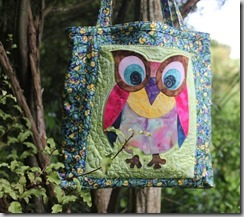 Owl applique on bag