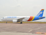 L'Airbus A320 de la compagnie aérienne Congo Airways à Kinshasa le 30/07/2015. Radio Okapi/Ph. John Bompengo