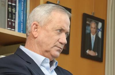 Gantz ameaça aprovar projeto de lei que encerraria a carreira de Netanyahu