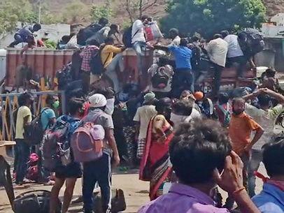 लॉकडाउन का दर्द / इंदौर में पलायन कर लौट रहे मजदूरों को सिटी बस से फ्री में घर पहुंचाया जा रहा; बाॅर्डर पर बसों में चढ़ने के लिए हंगामा हो रहा