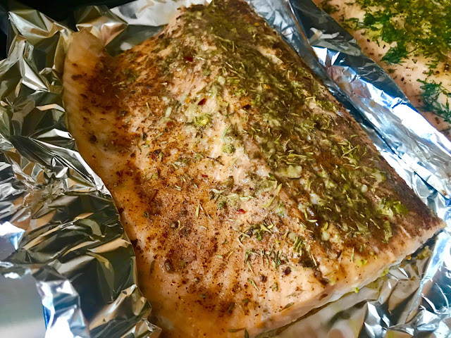 Jerk salmon with dried thyme and lime