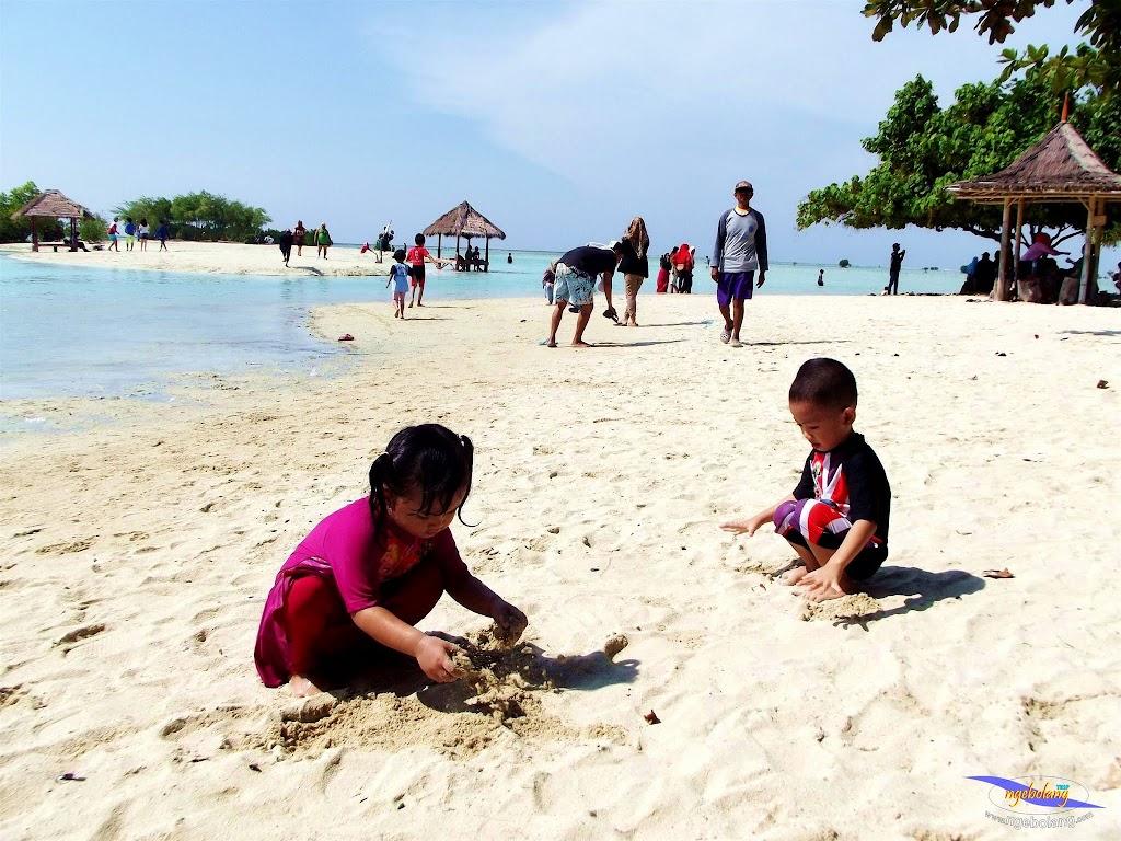 family trip pulau pari 090716 Fuji 045