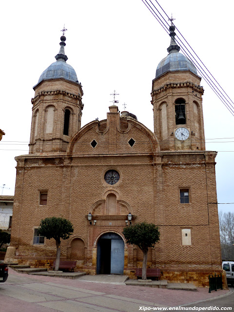 iglesia-santisima-trinidad-alcala-ebro.JPG