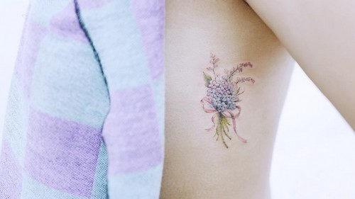este_lindo_ramo_de_flores_de_tatuagem