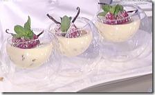 Bavarese alla vaniglia profumata al lime con biscotto croccante