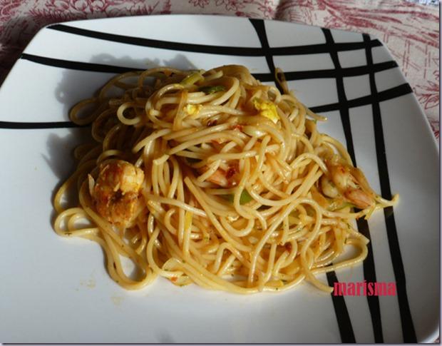 espaguetis con langostinos,racion copia