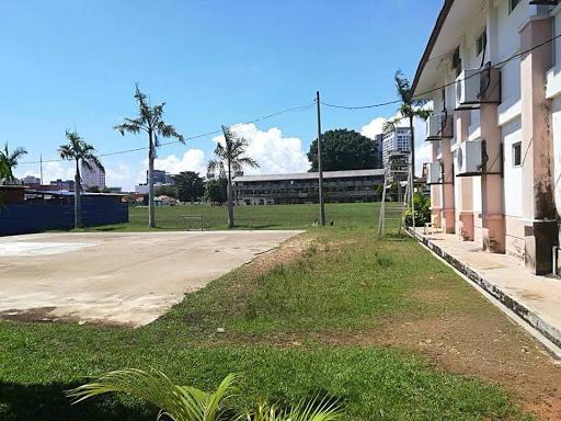 Derma  Untuk Surau Sekolah Tinggi Melaka