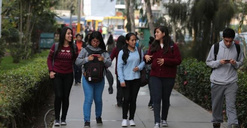 Clases presenciales en universidades podrían empezar la próxima semana, informó el MINSA