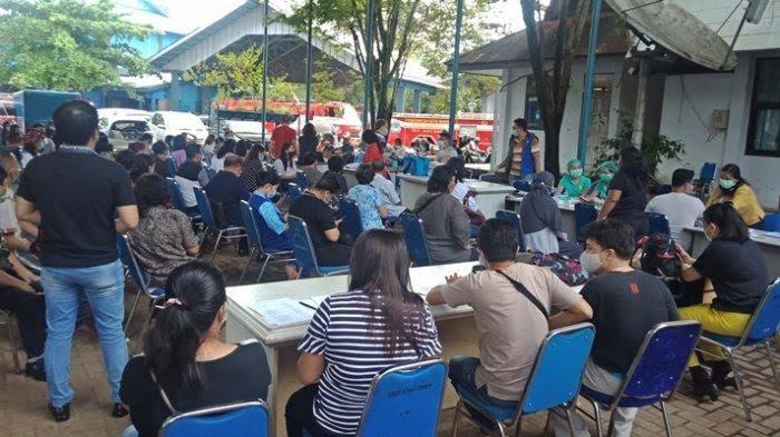 Ratusan Warga Manado Demam Usai Disuntik Astrazeneca, Pemda Setop Sementara Vaksinasi