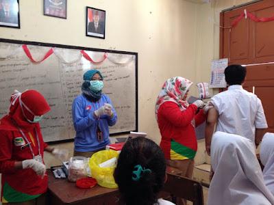 Imunisasi Campak dan Rubella SMP Gunung Jati