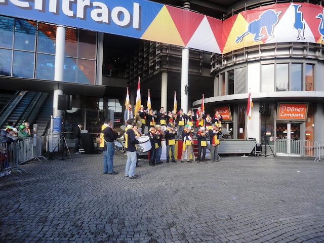 2012-02-19 tm 21 Carnaval in Oeteldonk - DSC00372.JPG