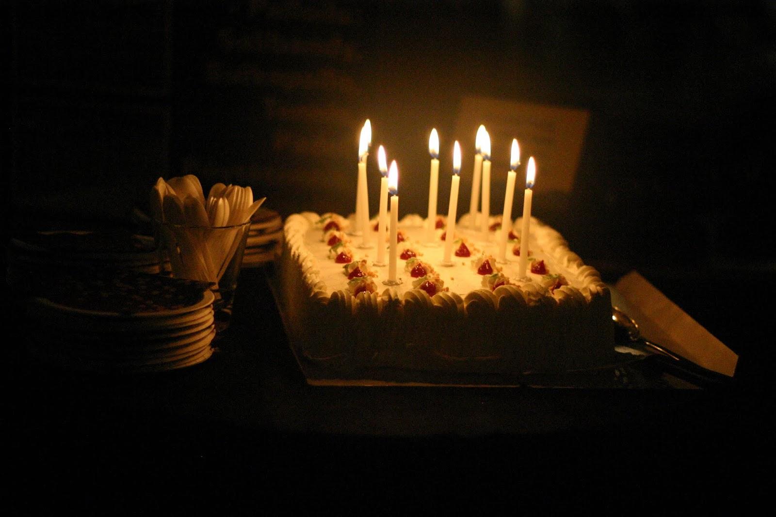 Kauhuskenaario 31.10.2012 - kakku.jpg