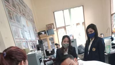 Mahasiswa Magang Berpartisipasi Aktif Boyongan KPU Lama ke KPU Baru Kota Batu Malang