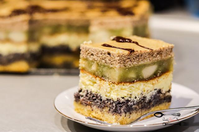 ciasta i desery,ciasta na Boże Narodzenie,seromakowiec, ciasto z makiem i serem, ciasto z jabłkami, ciasto na święta, kruche z makiem i serem, makowiec, sernik,