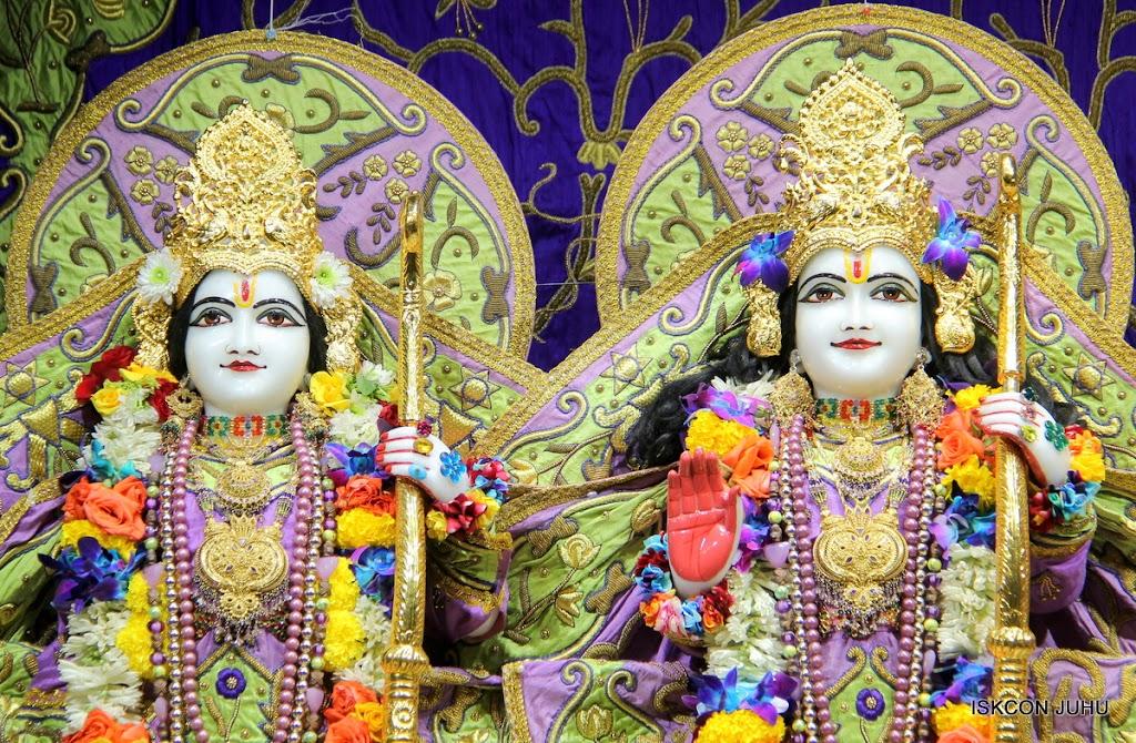 ISKCON Juhu Sringar Deity Darshan 11 Jan 2016  (39)
