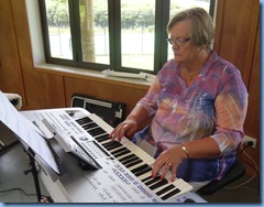 Barbara McNab playing our host's (Dave Windslade) Yamaha Tyros 4.