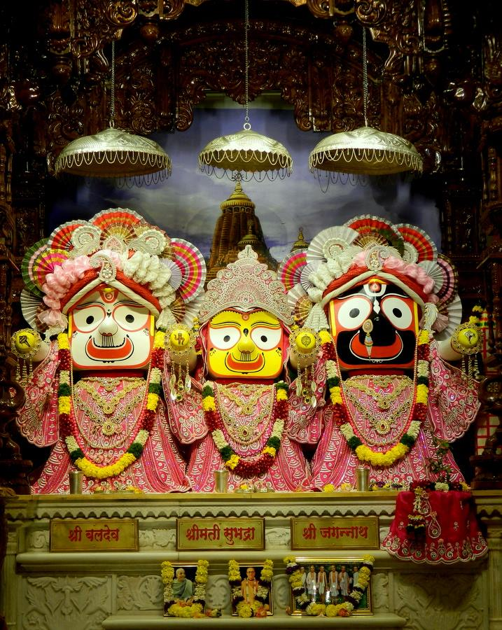 ISKCON Pune NVCC Deity Darshan 08 Jan 2017 (2)