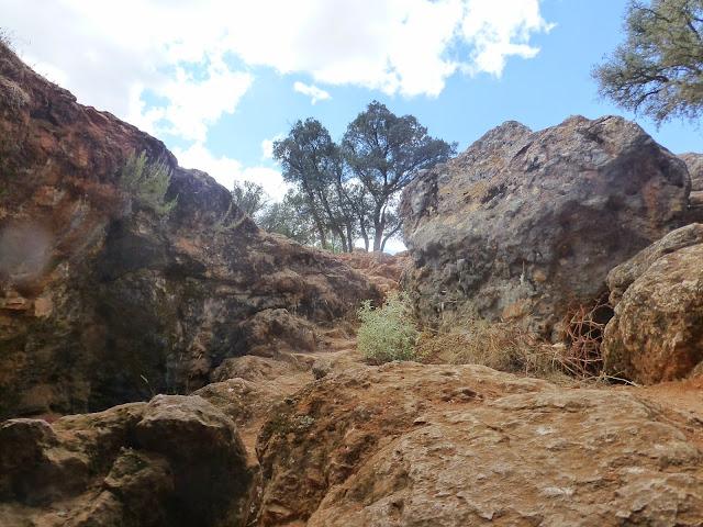 Entrada a la cueva de Montesinos