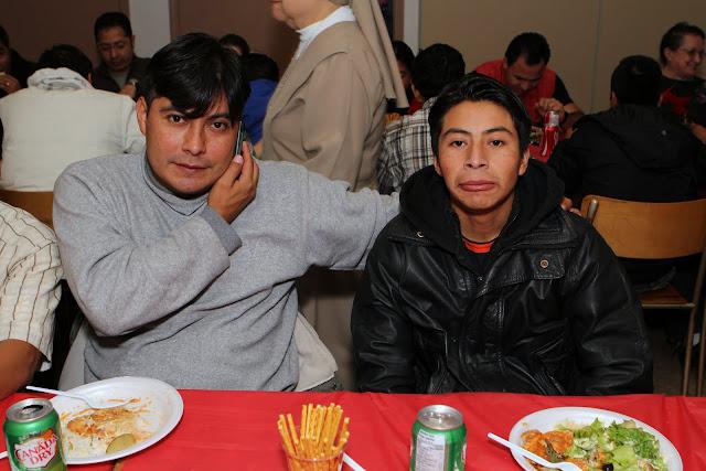 OLOS Navidad 2010 con Amigos Migrantes - IMG_9855.JPG