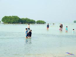family trip pulau pari 090716 Fuji 136
