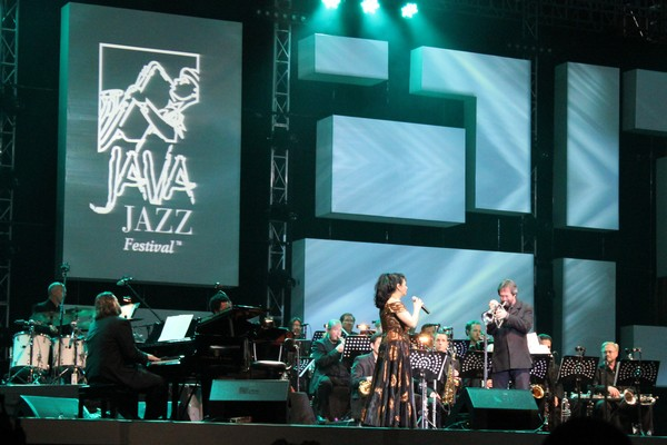 Laura Fygi di Java Jazz Festival 2012