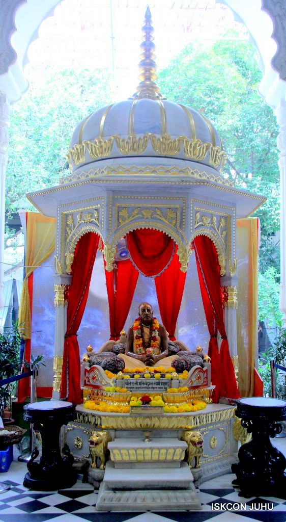 ISKCON Juhu Sringar Deity Darshan on 21st Oct 2016 (1)