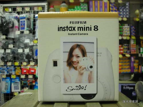 Fujifilm Instax Mini 8 Instant Camera Smile 原裝行貨. 保用一年