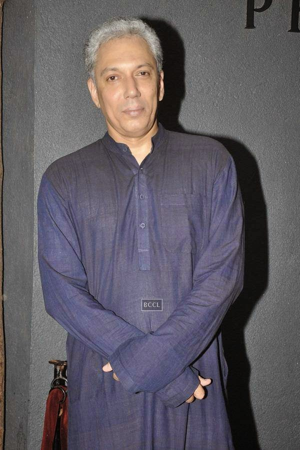 Rahul Vora during the play Tajmahal Ka Udghatan, in Mumbai, on July 24, 2014. (Pic: Viral Bhayani)