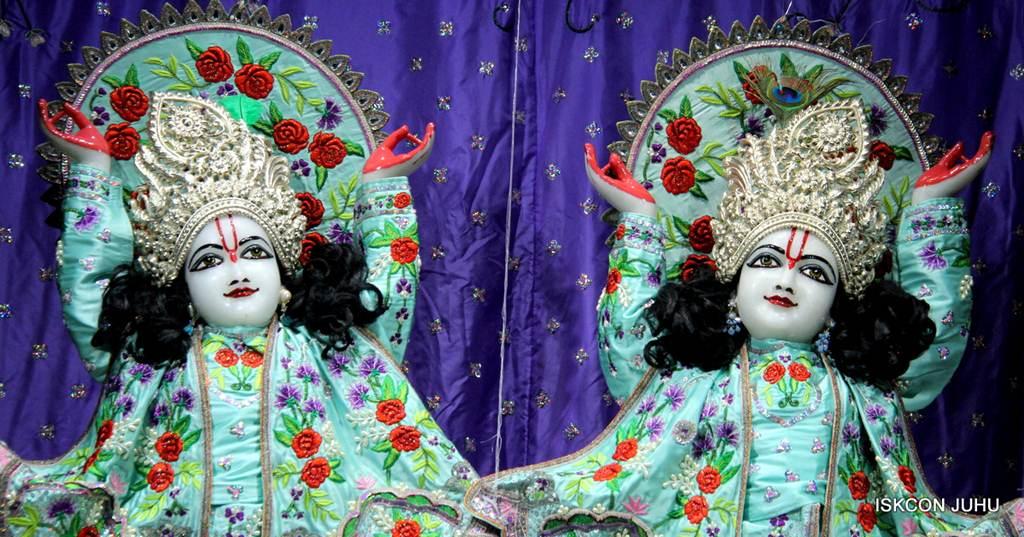 ISKCON Juhu Mangla Deity Darshan 17 Dec 2015 (12)