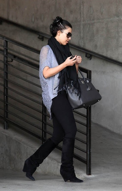 KIM KARDASHIAN HOT PICS COMING OUT BEVERLY HILLS HOME 14 MARCH