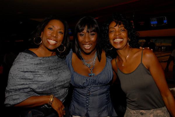 KiKi Shepards 9th Celebrity Bowling Challenge (2012) - DSC_0444.JPG