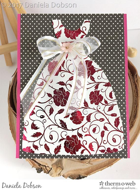 [Card+with+a+dress+by+Daniela+Dobson%5B3%5D]