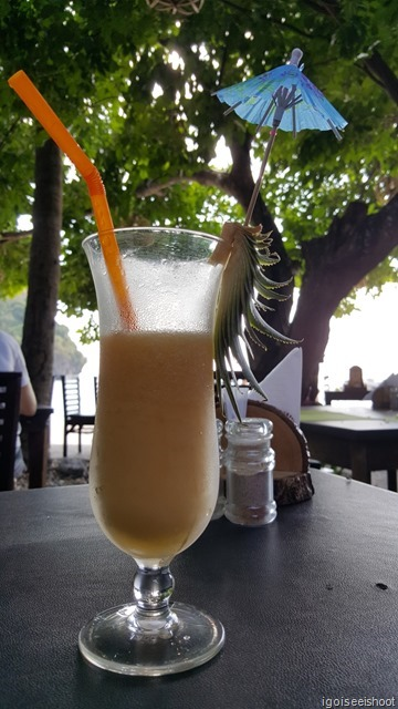 Mango smoothie at the Railay Bay Resort and Spa, Railay West Beach.