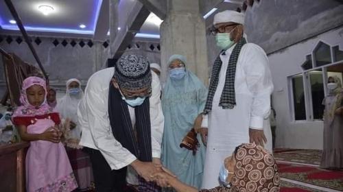 Wako Hendri Septa Kunjungi Masjid Saat Masa Kecilnya
