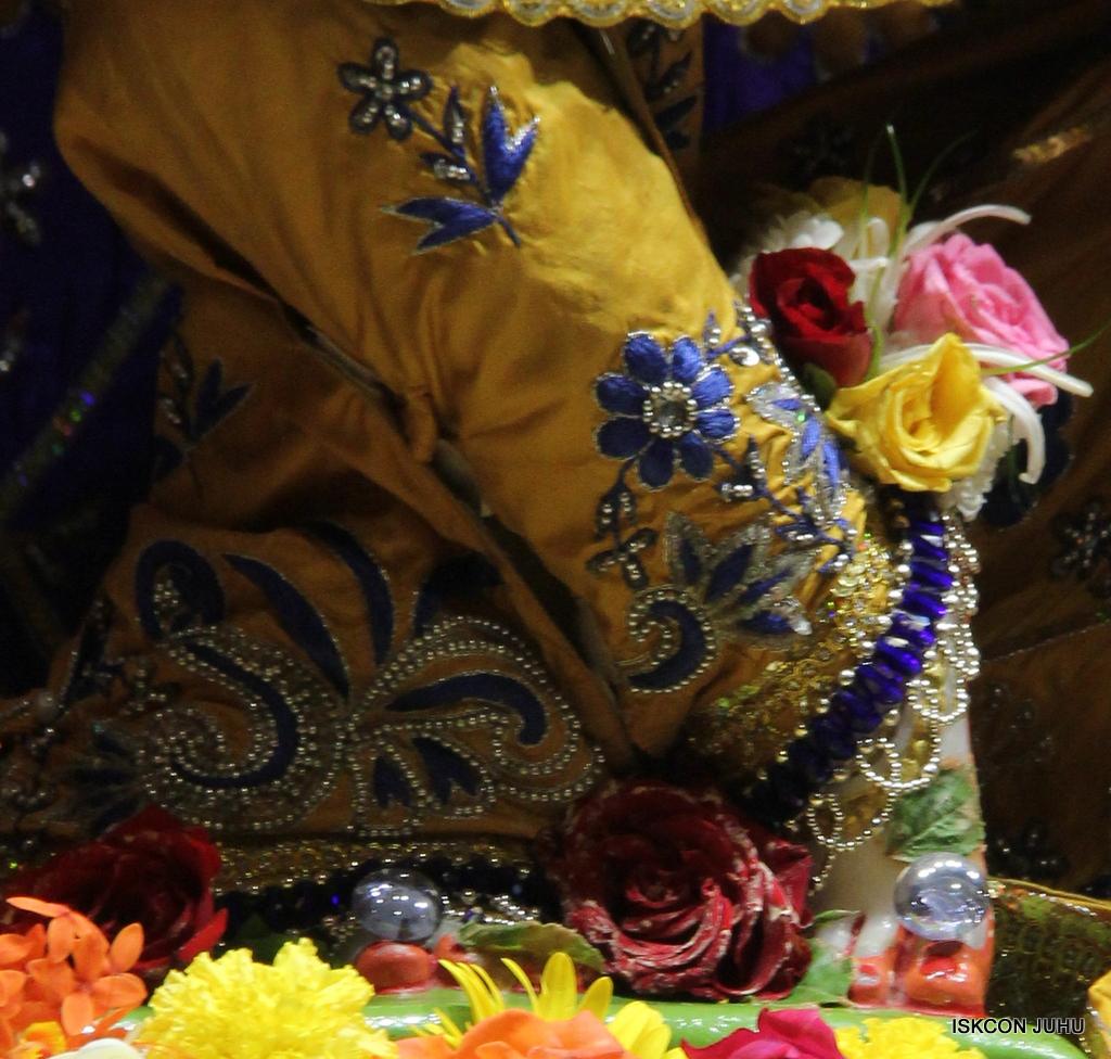 ISKCON Juhu Sringar Deity Darshan on 7th Sep 2016 (70)