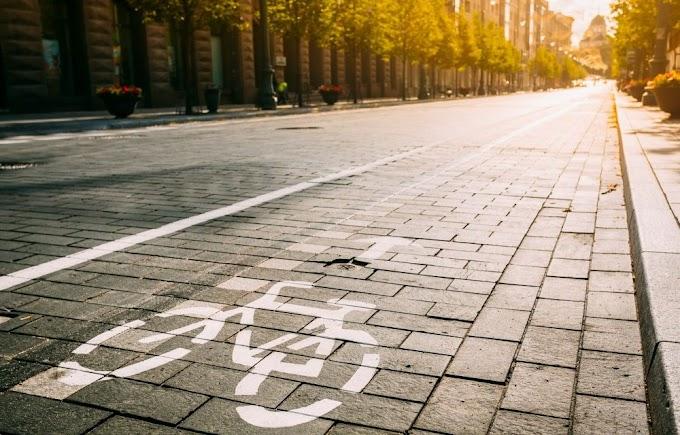 Na Cidade de Assu-RN Motociclista invade ciclovia na contramão e atropela oito ciclistas