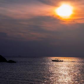 Sunset at Tioman by Hendrik Cuaca - Landscapes Sunsets & Sunrises