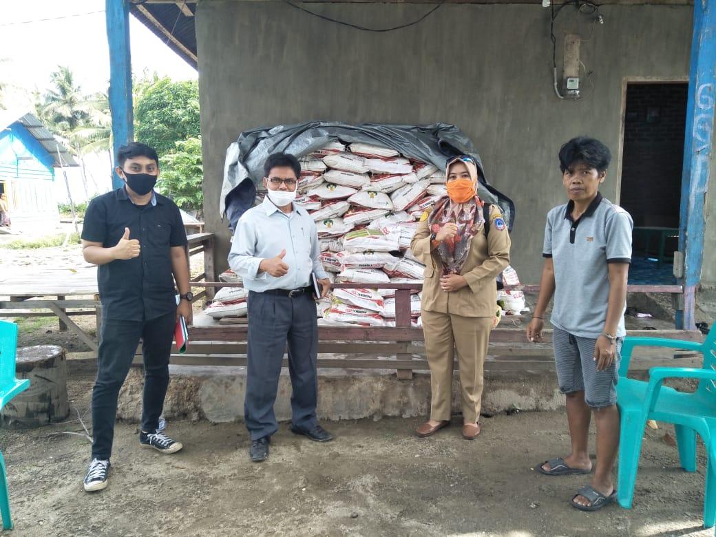 Kostratani Samuturu Dampingi Proses Penyaluran Bantuan Pupuk di Kab. Kolaka
