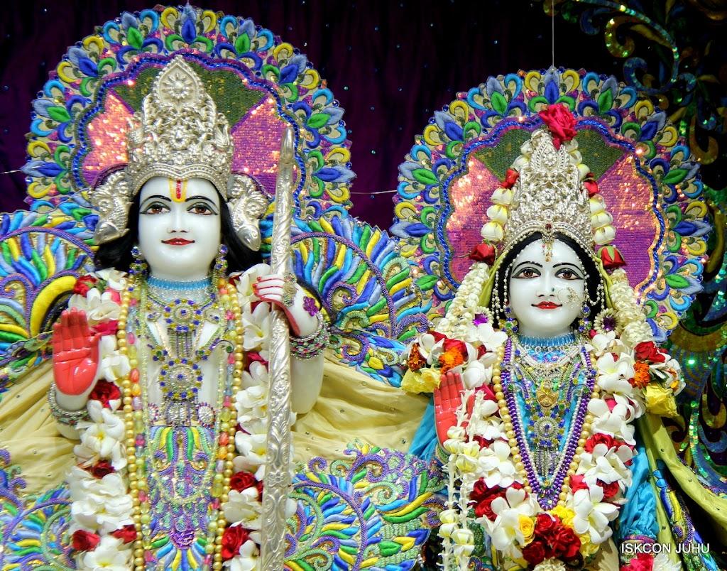 ISKCON Juhu Sringar Deity Darshan on 28th April 2016 (24)