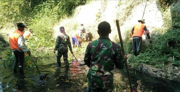 Normalisasi Sungai Kawerang Capai 30 Persen,  Warga Apresiasi Eksistensi TNI di Tengah Masyarakat