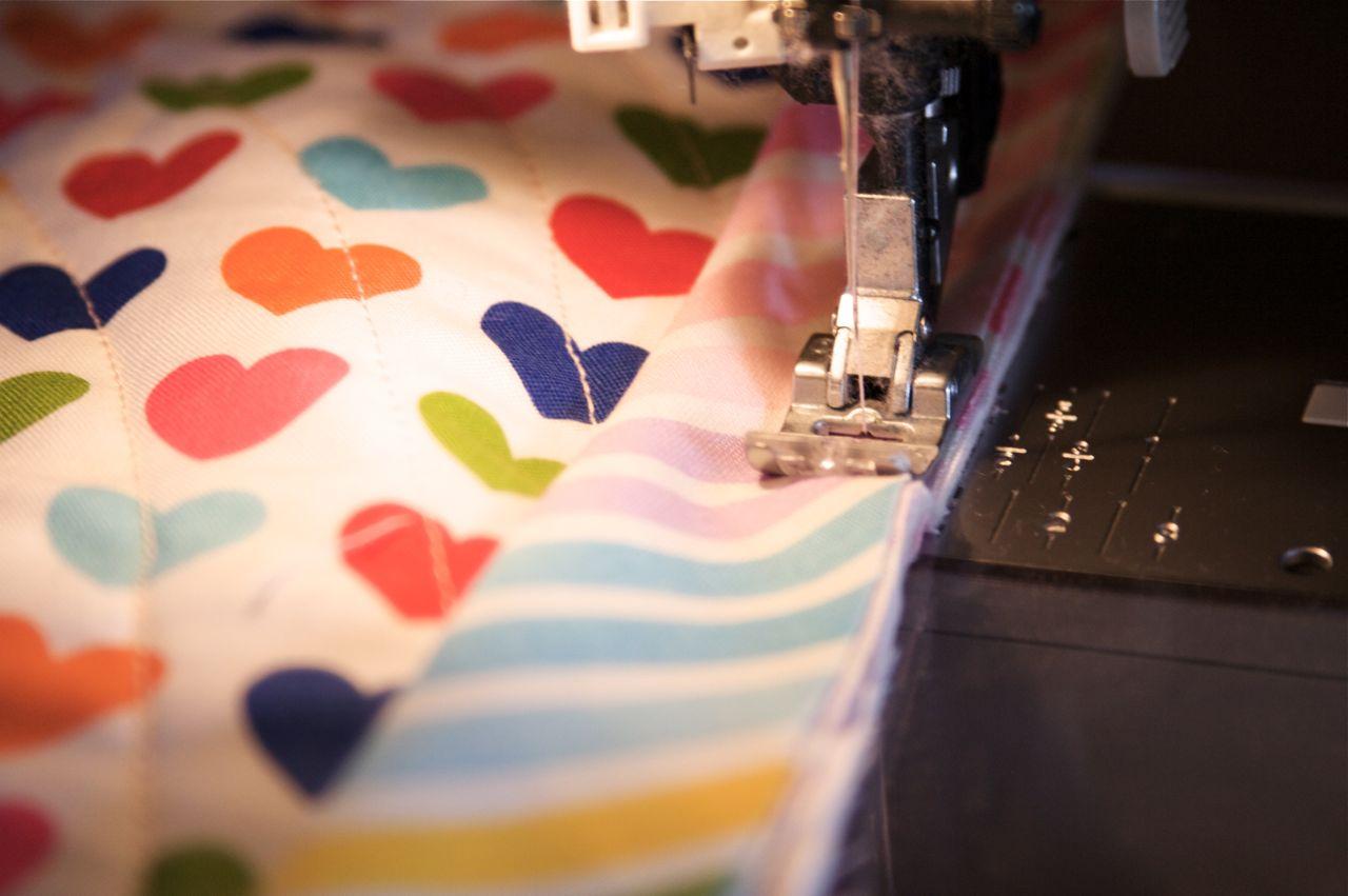 a quilt is nice: machine binding tutorial : sandwich quilt instructions - Adamdwight.com