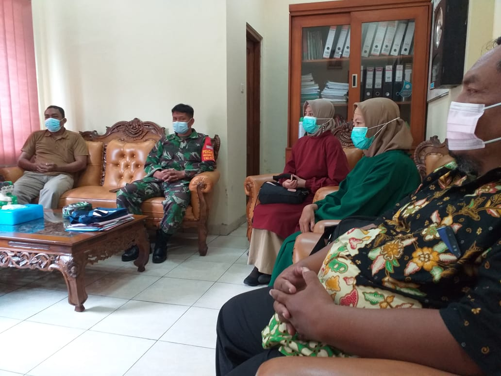 Babinsa Tipes Bersama Dinas Kesehatan Gelar Rapat Satgas Jogo Tonggo
