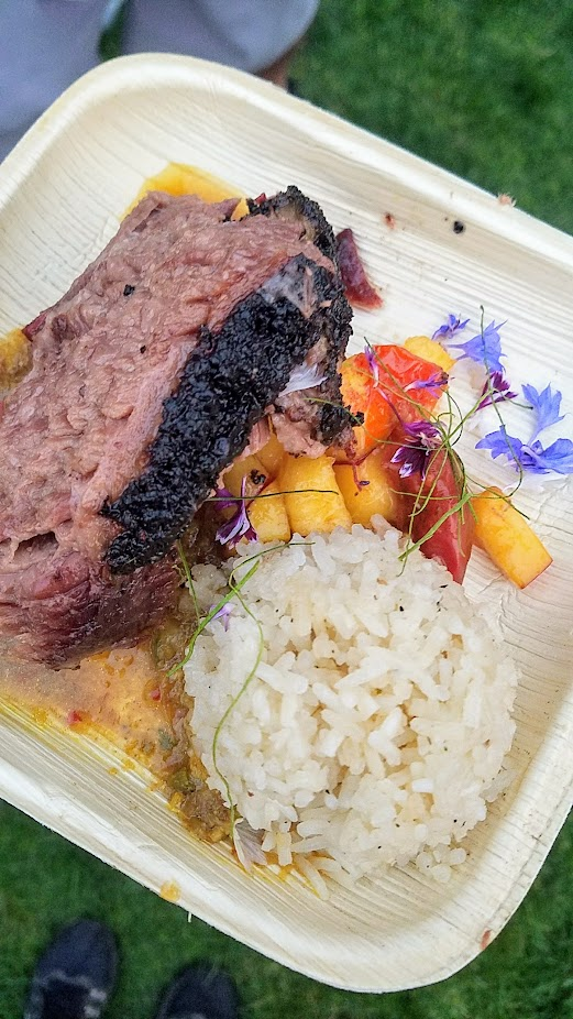 Review of Feast PDX Smoked 2017, Earl Ninsom of Langbaan served Matt's bbq brisket, tomatoes & peaches jungle curry, garlic rice