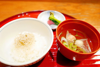Tousiro, a Tofu Kaiseki restaurant. Tousuiro specializes in homemade tofu and offers a kaiseki dinner that can include seafood or can also be completely vegetarian. This is the can have seafood version of the 7th course